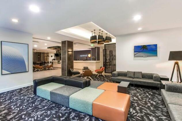 Travelodge Hotel Sydney Wynyard- Photo 2