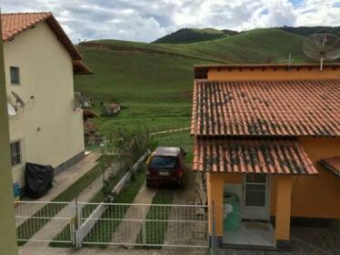 Linda casa condominio fechado em Miguel Pereira