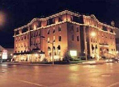 Clarion Inn & Suites Belleville