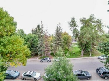 Calgary Condo 90min to Banff Full Kitchen 30min Airport Parking WD Netflix