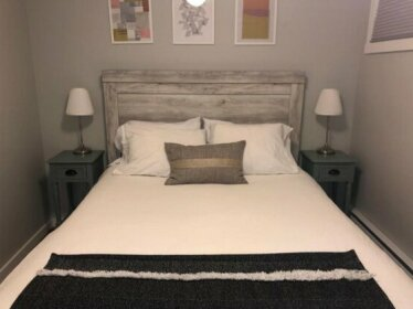 Fresh Condo - Steps from South Health Campus & More