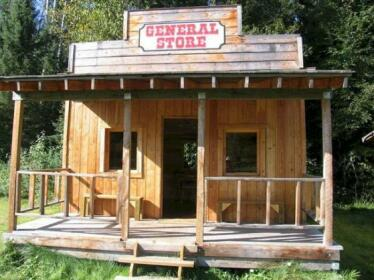 Fort Wells Gray Rustic Cabins Hostel