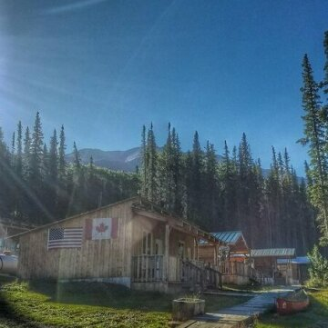 Red Goat Lodge Dease Lake