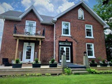 Wicklow Manor Bed & Breakfast