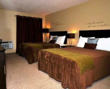 Kenosee Inn & Cabins
