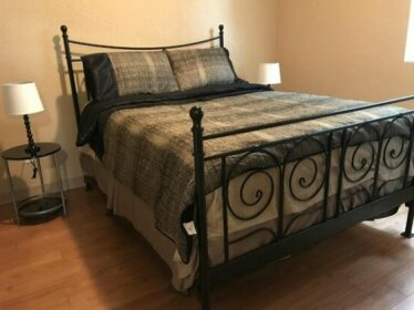 Church St Small 1 Queen Bedroom downtown