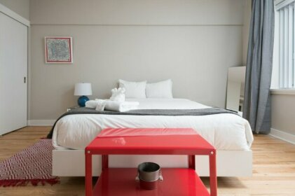 Colorful 1br In Downtown Mtl By Sonder