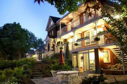 Eastwood Tourist Lodge