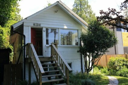 Homestay - Happy caring hosts North Vancouver