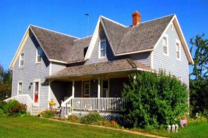 Stewart Harbourside Cottage - West Point PEI