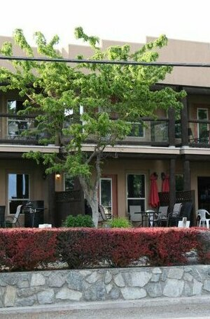 Lakefront Townhouse Family Complex Popular Wine Country and the Best Golfing