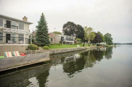 Shorehill Cottages On The Water