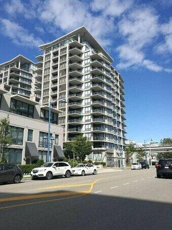 Apartment near Richmond Centre