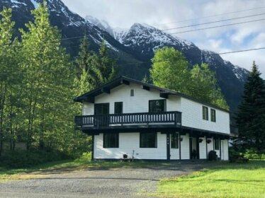Bear Valley Guesthouse