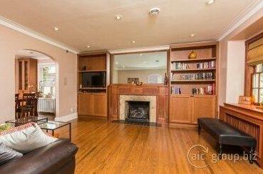Applewood Suites - Royal York
