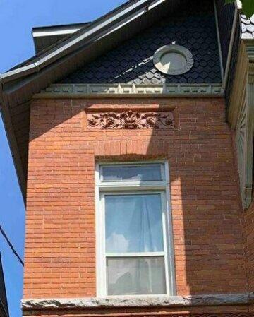 Cozy bachelor apartment - Parkdale Mansion