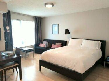Hotel Suites near Eaton Centre