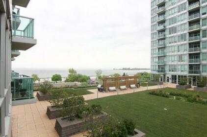 Pelican Suites - Parkside Residence