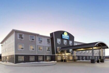 Days Inn & Suites by Wyndham Warman Legends Centre