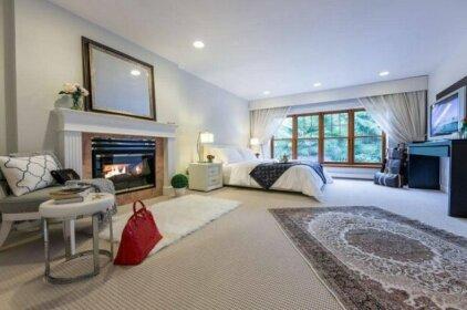 6 Bedroom Home In West Vancouver