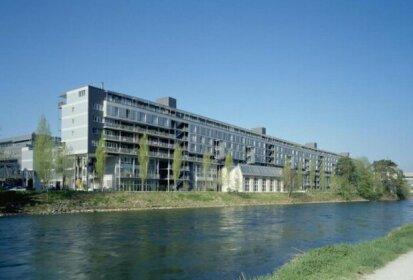 Q5 Luxery Apartment