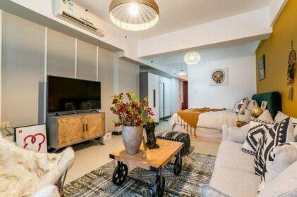 Zhengzhou Jinshui Huanghenanlu Subway Station Locals Apartment 00167860