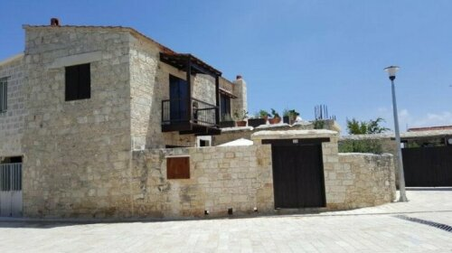 Michalis Anoyia Traditional Stonehouse