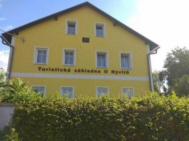 Turisticka zakladna u Nyvltu