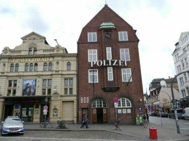 Sleep in Hamburg St Pauli