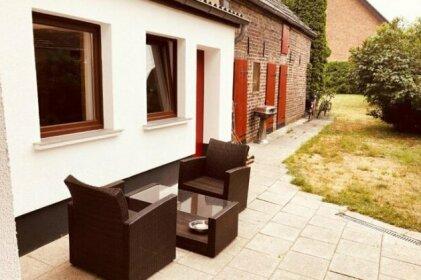 Gemuetliches Einfamilienhaus mit Gartennutzung in Troisdorf