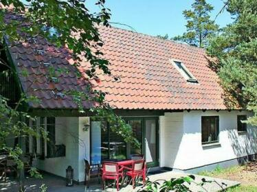 Three-Bedroom Holiday home in Nexo 2