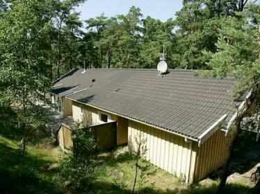Four-Bedroom Holiday home in Nexo 3