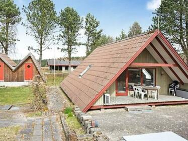 Two-Bedroom Holiday home in Ebeltoft 3