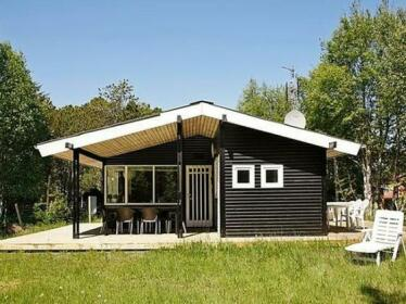 Four-Bedroom Holiday home in Albaek 1