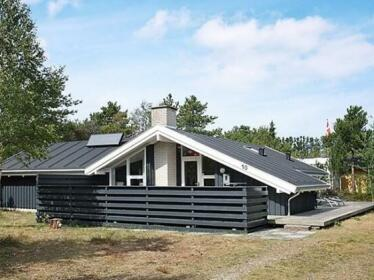 Four-Bedroom Holiday home in Albaek 6