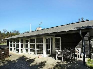 Four-Bedroom Holiday home in Albaek 9