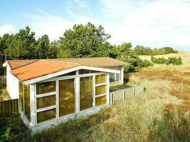 Two-Bedroom Holiday home in Albaek 5
