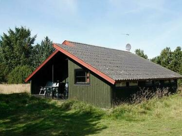 Two-Bedroom Holiday home in Albaek 7