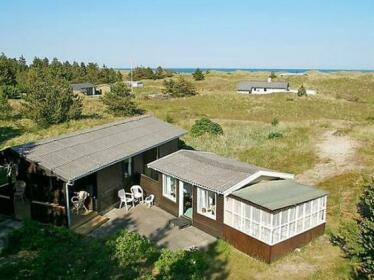 Two-Bedroom Holiday home in Albaek 8