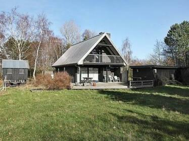 Three-Bedroom Holiday home in Knebel 28