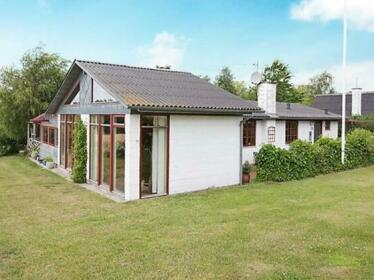 Three-Bedroom Holiday home in Knebel 3