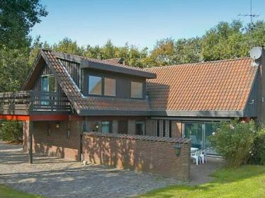 Four-Bedroom Holiday home in Asperup