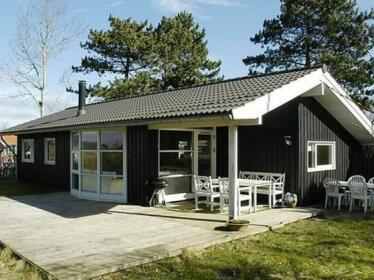 Three-Bedroom Holiday home in Asperup 1