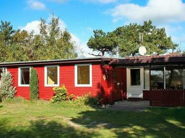 Three-Bedroom Holiday home in Ronne 1