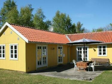 Three-Bedroom Holiday home in Ronne 2