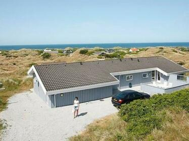 Four-Bedroom Holiday home in Saltum 3