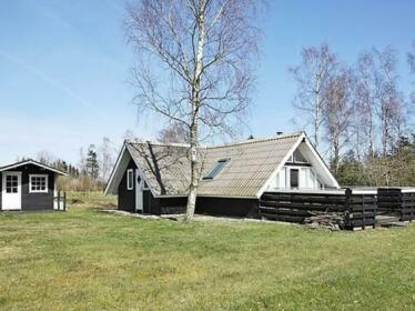 One-Bedroom Holiday home in Hojslev 2