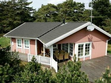 Three-Bedroom Holiday home in Nexo 19