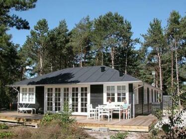 Three-Bedroom Holiday home in Nexo 26