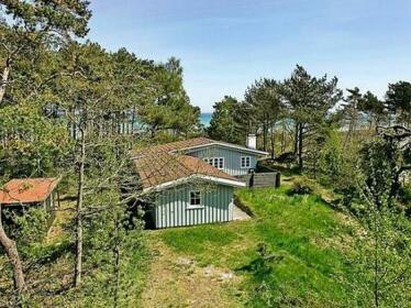 Three-Bedroom Holiday home in Nexo 32